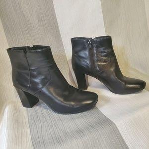 Nine West Black Ankle Boots Size 6.5